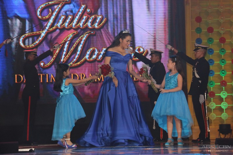 ABS-CBN Trade Event 2016: Doble Kara stars led by Daytime Drama Queen Julia Montes in a royal-themed presentation
